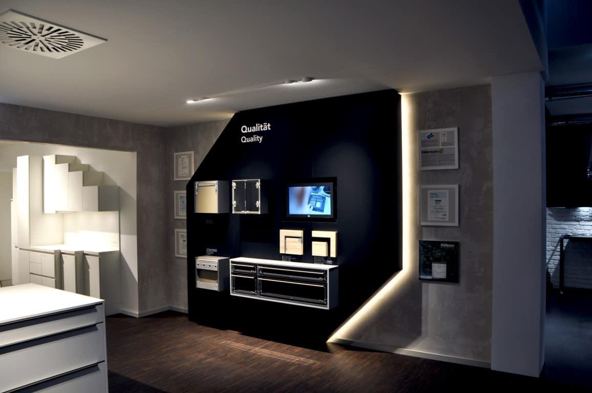h cker k chen r dinghausen neugestaltung showroom infographik. Black Bedroom Furniture Sets. Home Design Ideas