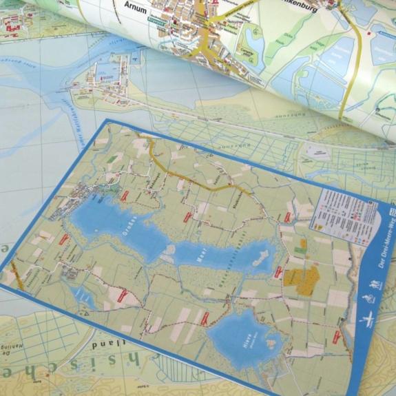 Karten und Pläne